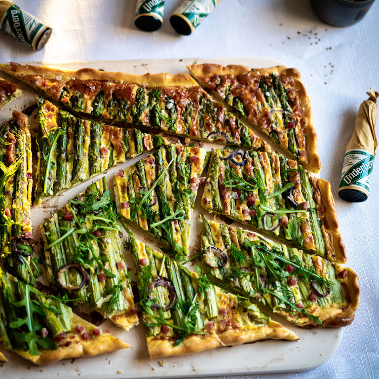 Tarte flambée with green asparagus and bacon