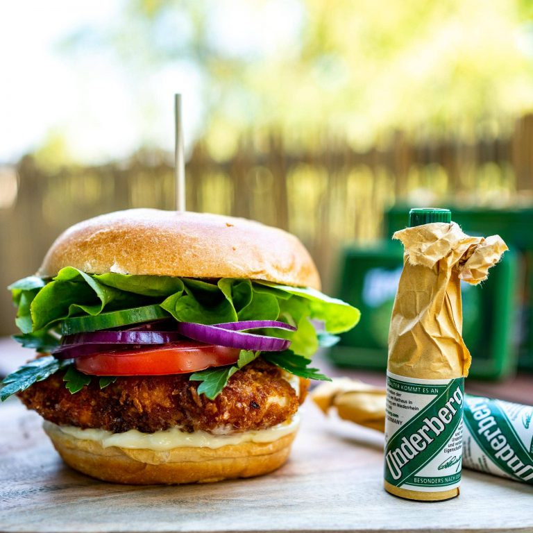 Underberg's Crispy Chicken Burger