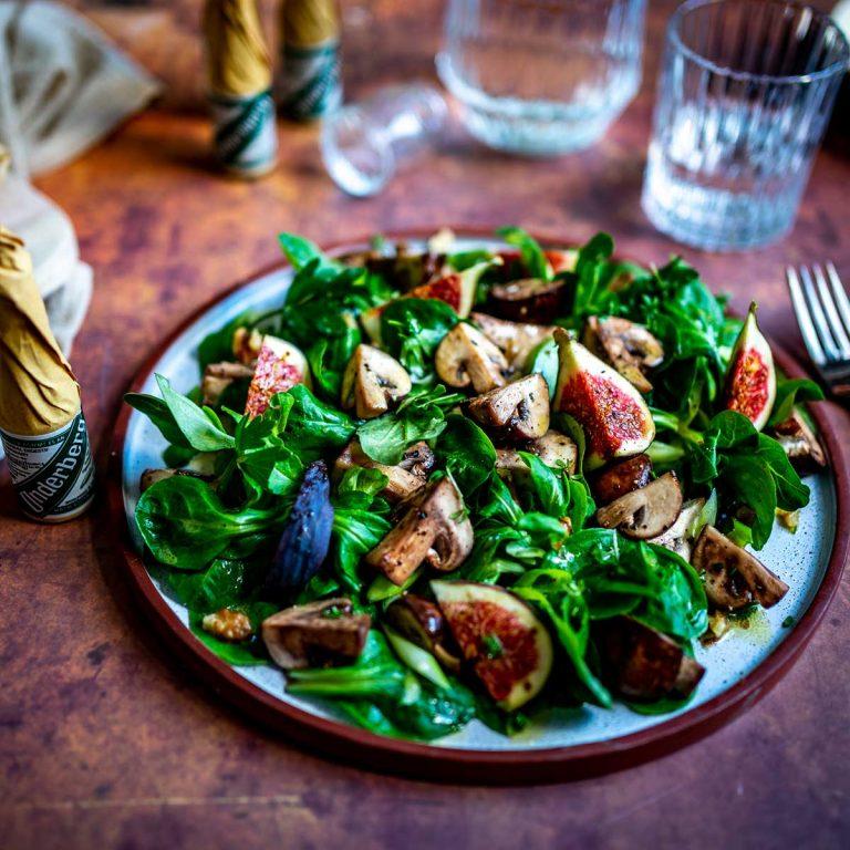 Feldsalat mit Champignons und Feigen